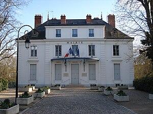 Boussy-Saint-Antoine - The town hall of Boussy-Saint-Antoine