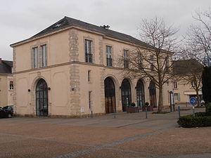 Brûlon - The town hall in Brûlon