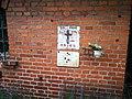 Malovaný kříž obětem 2. světové války na stodole u čp. 67.jpg