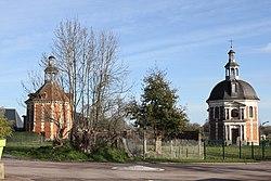 Manneville-sur-Risle Chapelle et Colombier du château de Bonnebos.JPG