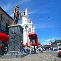 Marinilla Colombia August 2017 (9) Monumento y Catedral en la plaza.jpg