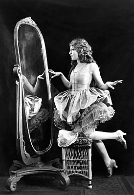 Mary Pickford-Ziegfeld.jpg