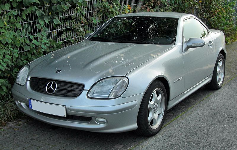 Все об автомобилях. Марки, Характеристики и прочее... 800px-Mercedes_SLK_200_K_Facelift_20090919_front