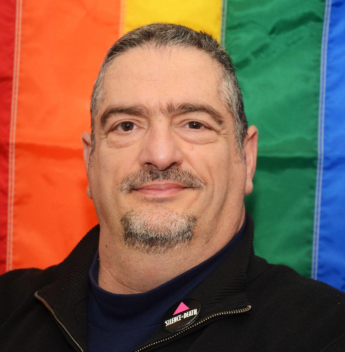 Michael Petrelis - Wikipedia