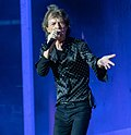 Mick Jagger sings during Rolling Stones concert - 22 May 2018, London (40532922760).jpg