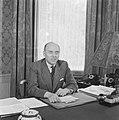 Minister-president Schermerhorn aan zijn bureau, Bestanddeelnr 900-8198.jpg