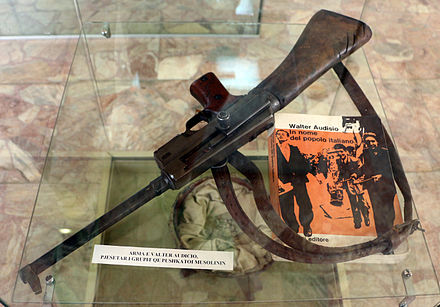Michele Moretti's French-made MAS-38 submachine gun, said to have been used by Walter Audisio to shoot Benito Mussolini (National Historical Museum of Albania) Mitra francese MAS 38 di Michele Moretti, che sparo a Benito Mussolini.JPG