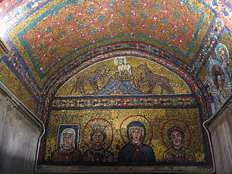 Episcopa Theodora - The full mosaic view. From Left to Right: Lady Theodora, Saint Praxedis, the Blessed Virgin Mary and Saint Pudentiana. Flanking above is the Agnus Dei, with reindeers and wolves.