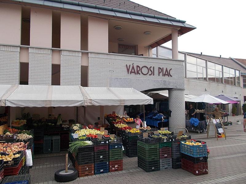 File:Municipal Market. - Szabadság Square, Gödöllő.JPG