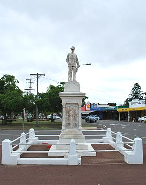 Murgon - Murgon War Memorial, 2008