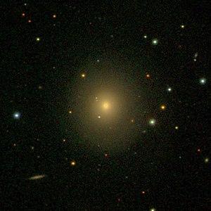 SDSS-Aufnahme von NGC 420