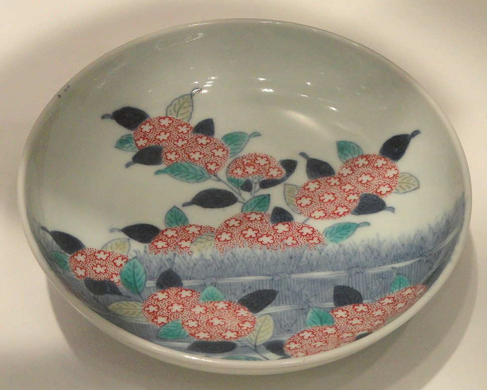 Nabeshima Dish with Hydrangea Design, c. 1680-1720, Arita, Okawachi kilns, hard-paste porcelain with cobalt and enamels - Gardiner Museum, Toronto - DSC00496