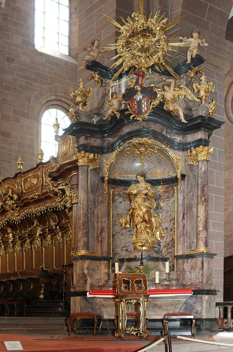 Небеналтар (а) Westchor des Wormser Domes.jpg