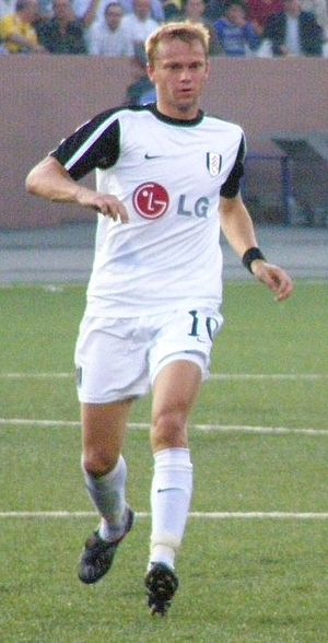 Erik Nevland - Nevland playing for Fulham in 2009