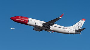 Norwegian Air Shuttle Boeing 737-86N LN-NOG MUC 2015 02.jpg