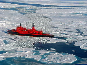 Yamal (icebreaker) - Yamal on her way to the North Pole, 2001