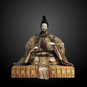 Hinamatsuri - Image: O bina ETHAS 020105 P8190707 gradient