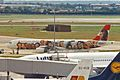 OE-LBB 1 A321-111 Austrian LHR 19JUL98 (5898688444).jpg