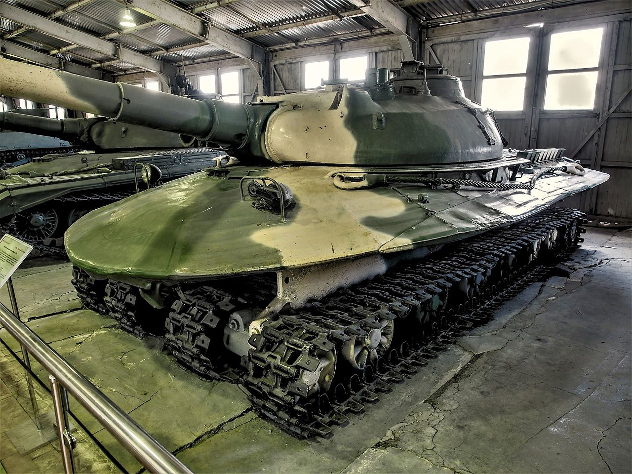 1280px-Object_279_in_the_Kubinka_Tank_Mu