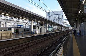 Okayama Station - The shinkansen platforms in July 2014