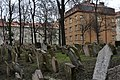 Old Jewish Cemetery, Prague (4) (25581203244).jpg