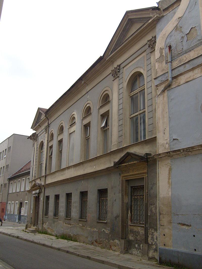 Old synagogue-Prostějov.jpg