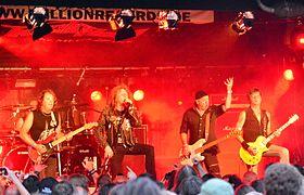 Oliver-Dawson Saxon – Headbangers Open Air 2014 03.jpg