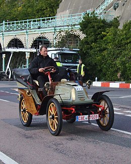 Opel-Darracq 1902 Tonneau on London to Brighton VCR 2010.jpg