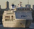 Pacific Pearl ship at Darling Harbour, Sydney (cropped).jpg