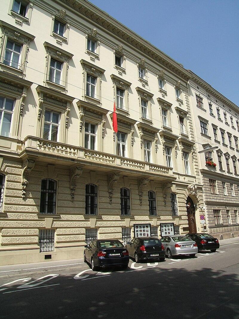 Palais Bratmann-Metternichg 4.JPG