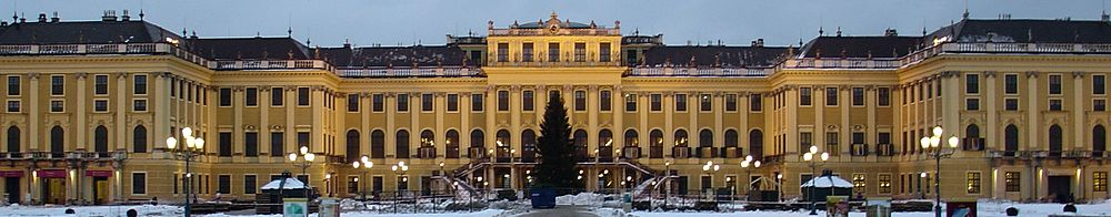 Palais Shönbrunn - Vienne.JPG