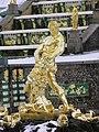 Palais de Peterhof - grande cascade - fontaine de Samson.jpg