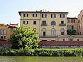 Palazzo Adami (lungarno guicciardini) visto dal fiume 01.JPG