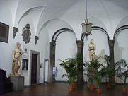 Palazzo_borghese,_atrio_02.JPG