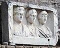 Palazzo colonna, giardini, rilievo funebre romane.jpg