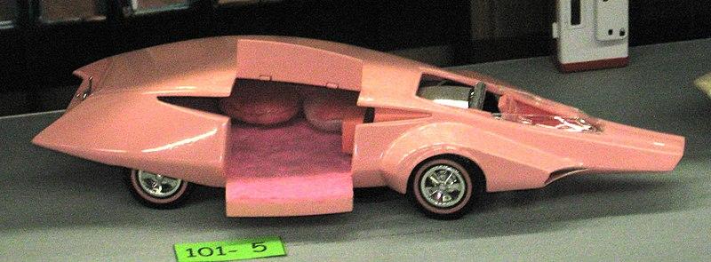 El auto de la pantera rosa
