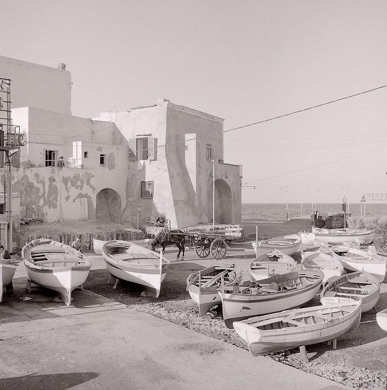 Petit bout de port sur l'île d'Ischia en 1962 - Photo de Paolo Monti