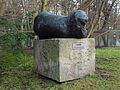 Park Oliwski – rzeźba Niobe.JPG