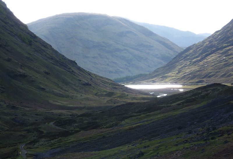 File:Pass of Glencoe with Loch Achtriochtan.JPG