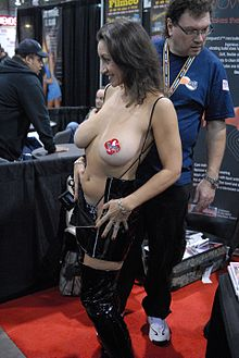Persia Noir from Cheetahs at the 2009 AVN AEE.jpg