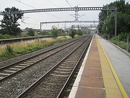 Polesworth station, geograph-3621145-by-Nigel-Thompson.jpg