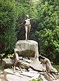Pomnik Diany na skwerze Zbyszka Cybulskiego.jpg