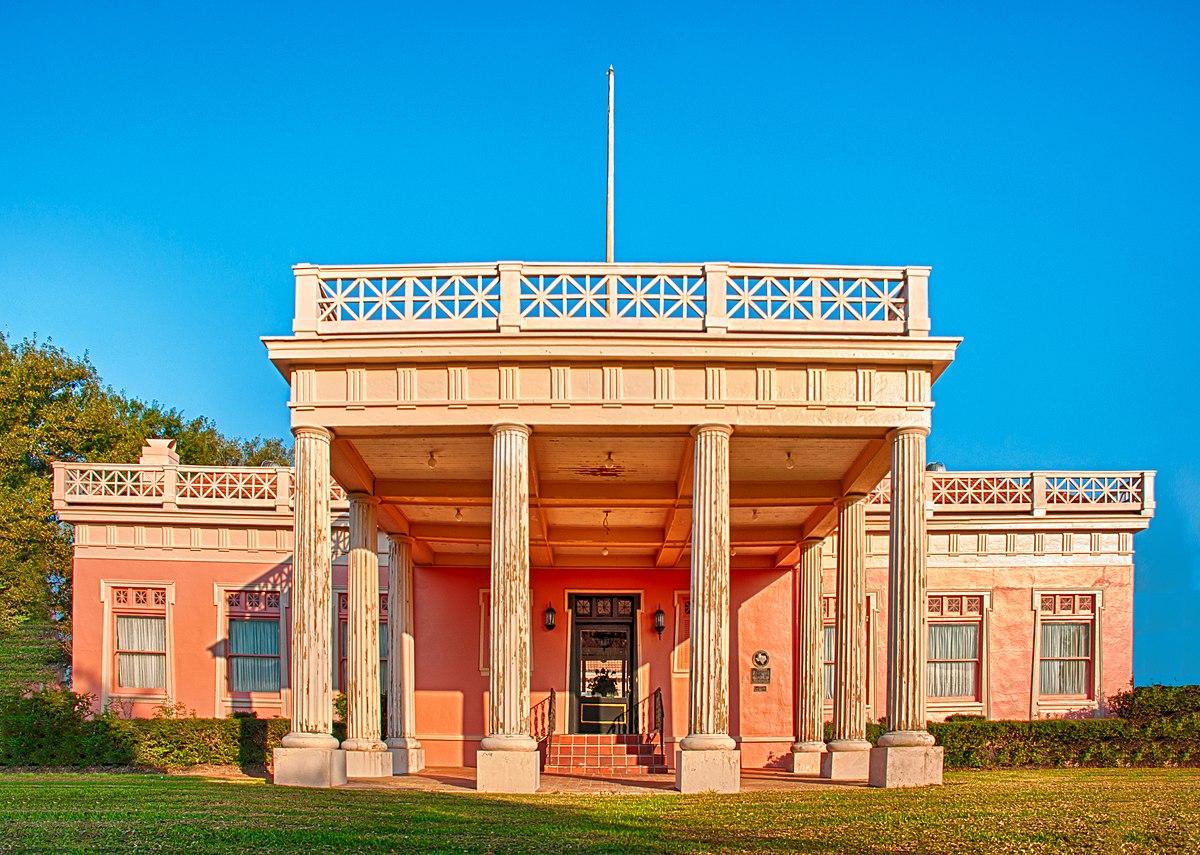 Pompeiian Villa Wikipedia