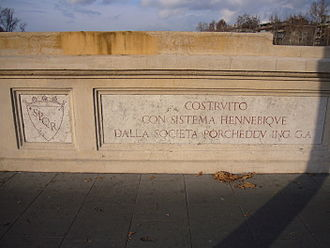 Ponte del Risorgimento - Details of the bulwarks with the inscriptions by the designer