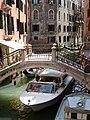 Ponte dei Pignoli Rio Bareteri Venezia.jpg