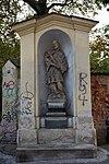 Praha-Holešovice-socha-Jana-Nepomuckého-u-vchodu-do-parku-u-svatého-Klimenta2016.jpg