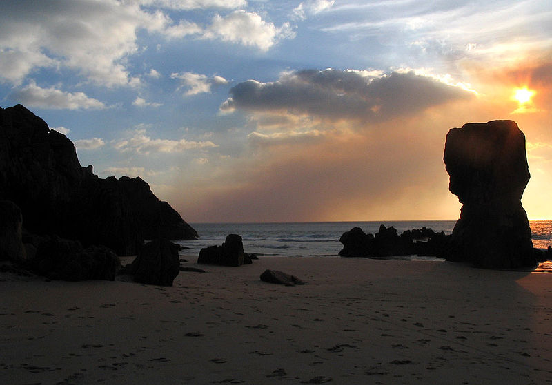 File:Praia de Lumebo. Ferrol, Galiza.jpg
