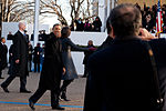 President Obama gives thumbs-up in 57th Presidential Parade 130121-Z-QU230-198.jpg