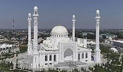 Мечеть Гордость мусульман Шали.jpg