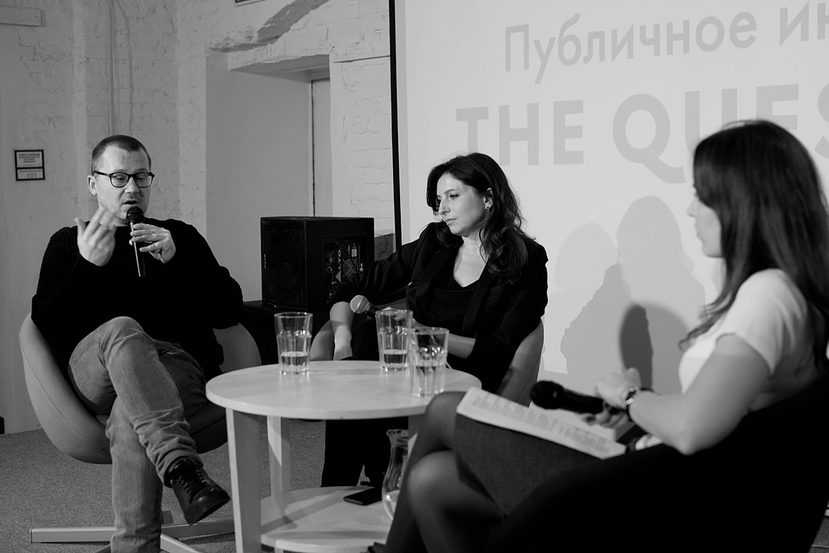 Alisa Khazanova Файл:public interview with roman volobuev and alisa